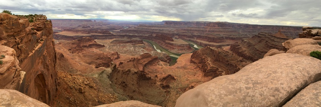 Panoramic view of the oxbow in the Colorado River from Dead Horse Point